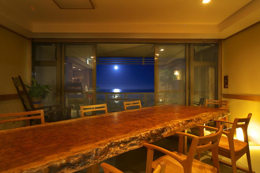 山翠舎ではお客様の理想の家具をお作りしております。のサムネイル